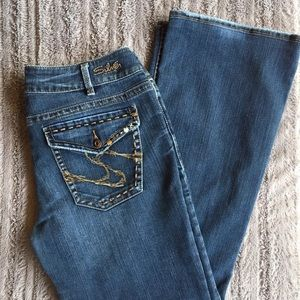 Silver Suki Flap Medium Wash Bootcut Jeans Size 32